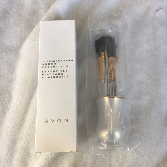 Avon Other - Avon Illuminating Brush Essentials